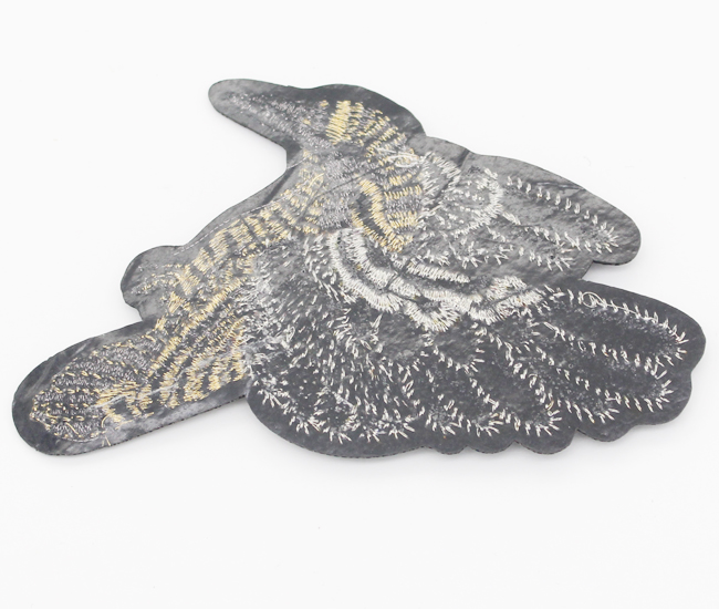 Factory self adhesive custom bird embroidered patches for jeans / coats / shirt