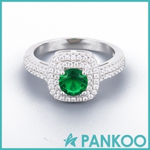 The new series of fashion jewelry emerald wedding 925 sterling silver ring