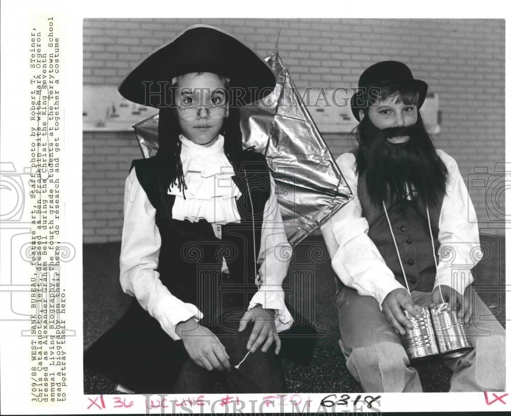 Vintage Photos 1988 Press Photo Christ the King students during Living  Biography event
