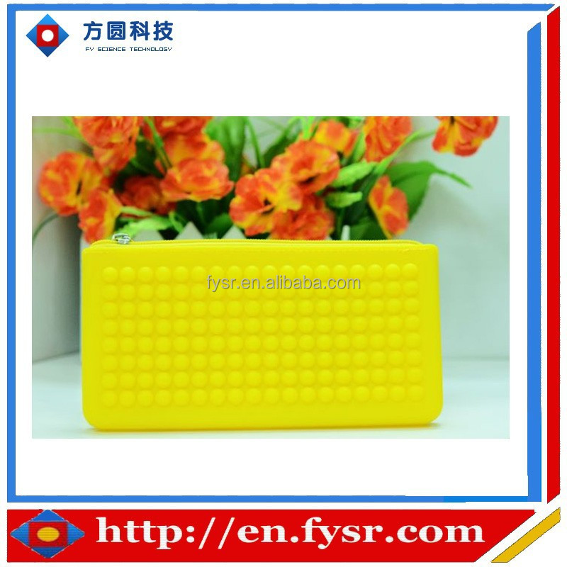 2016 Cheap Price Jelly Material zipper silicon clutch bag for promotion