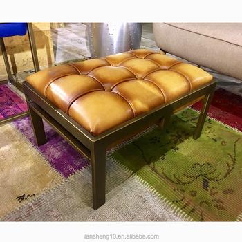 Pequeño Tufted Cuero Tapizado Oro Antiguo Marco De Acero Banco ...