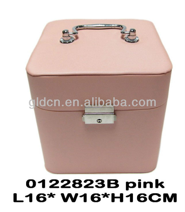 Wholesale metal lock jewelry display box from CN