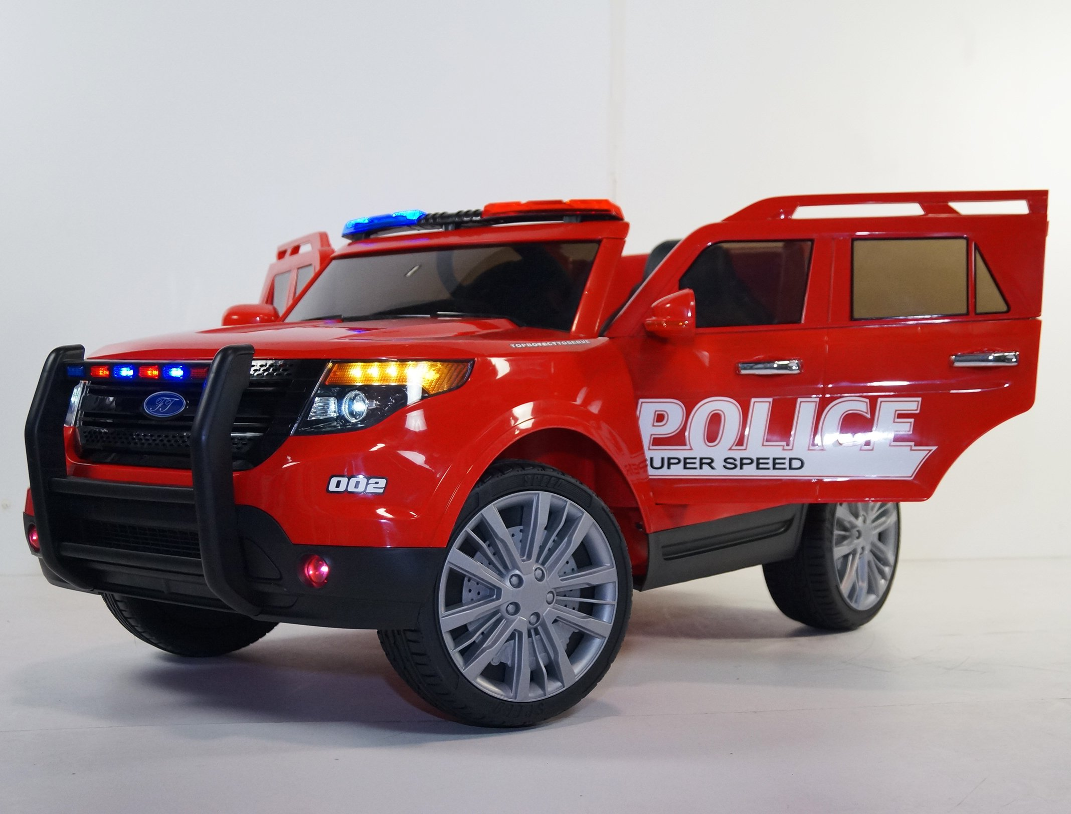 Ride on POLICE style car. Battery operated. Police car jeep. Car on electric battery 12V total. With remote control. Electric car style FORD for kids 2 to 6 years. Two Electric motor.