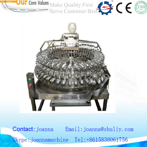 Egg breaking machine for separating yolk and white / Egg yolk and white separator