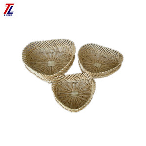 Hot sale Heart Shape Home Decor woven wholesale wicker material basket