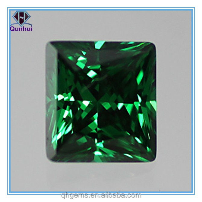 Fabulous Emerald Green square shaped Cubic Zirconia Loose Stone