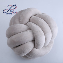 Retail Ohhio Braid yarn hand knitted pillows machine washable giant yarn tube yarn Chunky knot Cushion with plush fabric Cushion