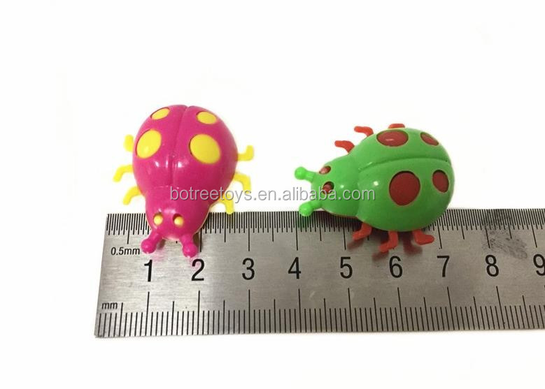 Cheap Mini Insect Ladybug Toys Plastic Beetles Car for Surprise Egg