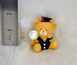 lovely christmas global trophy bear polyresin ornaments figurine