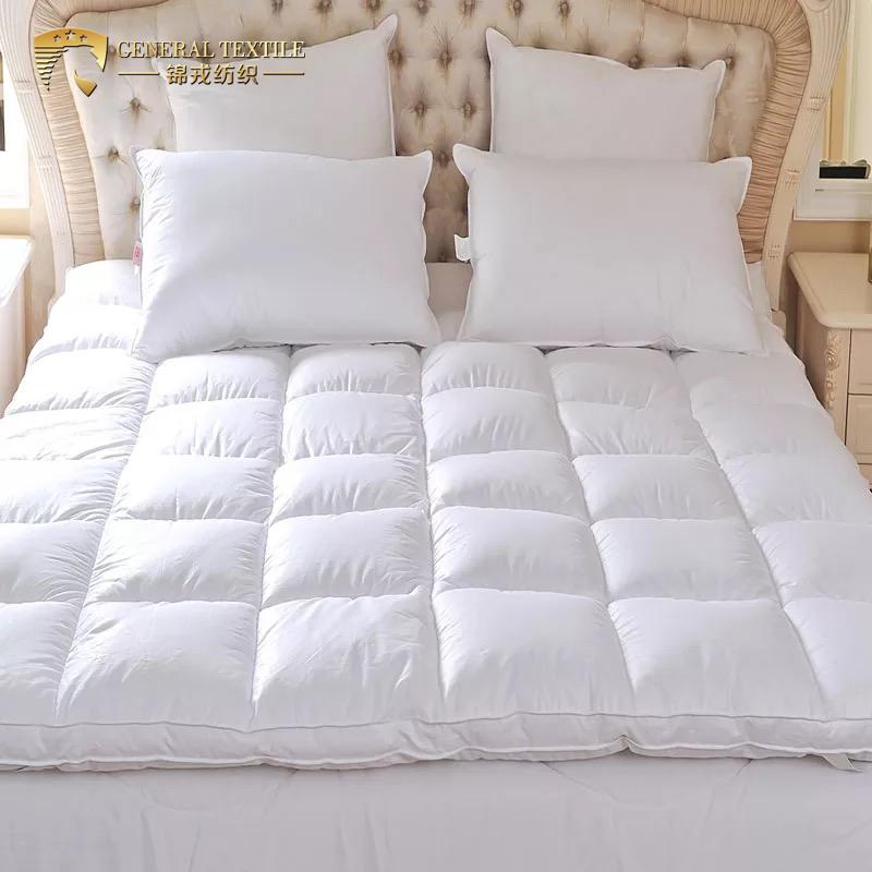 Vacuum pack luxury goose Down mattress topper