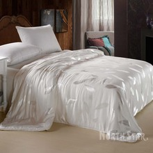 Factory Direct sales 100% Natural silk quilt with good quality