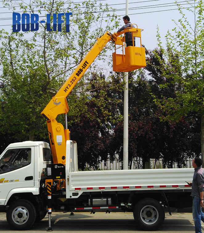 Telescopic Boom Truck Crane with Basket