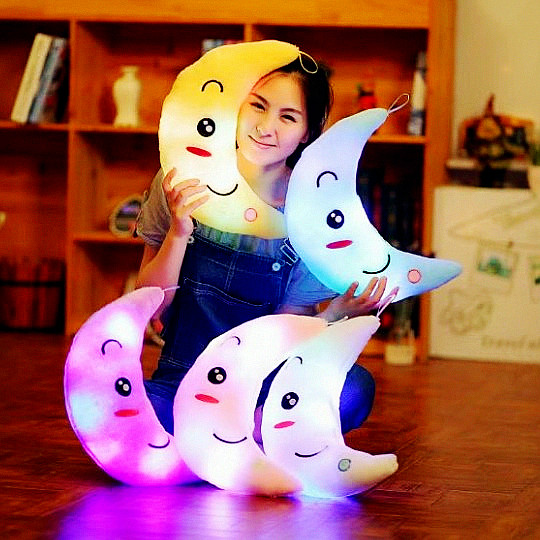2018 New Arrived Customized Colorful Luminous Moon Shape Plush Toys Stuffed Glowing Led Light Moon Pillow