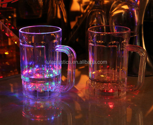 Plastic beer mug with flashing LED for bar&party, 480ml(17 ounce), water activated LED mug