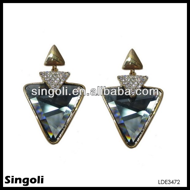triangle ear cuff eariing plug diamond earrings