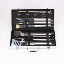 18 stuk <span class=keywords><strong>bbq</strong></span> Grillen Tool Set Barbecue <span class=keywords><strong>Kit</strong></span> met Aluminium Carry Case