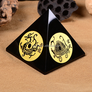 New Arrival Promotional Souvenir Table Paperweight Fengshui Crystal Glass Pyramid