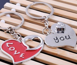promotional shape and design customised heart keyrings