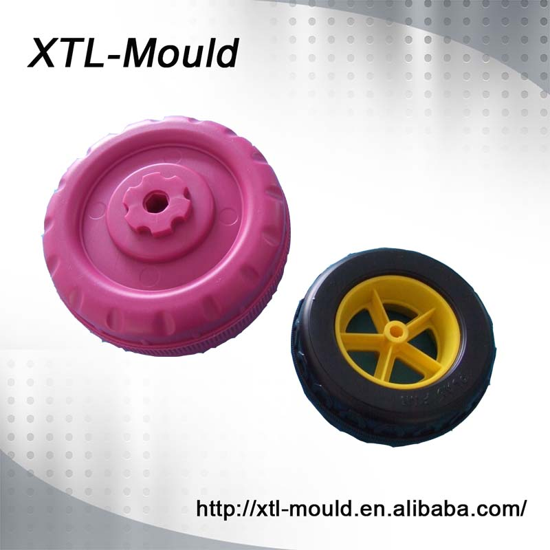 Wheel mould/wheel blow molding/molded plastic toy wheels