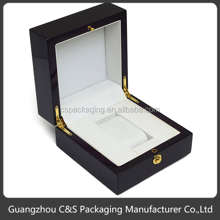Nice Design Luxury Piano Lacquered Elegant Wooden Watch Box