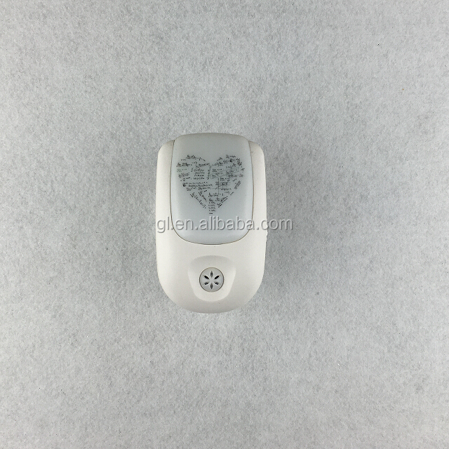 A72 OEM logo pattern dusk to dawn control  1 watts 8 LED ABS material warm white light for room