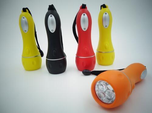 Promotional Hot Plastic LED Flashlight with 3 led