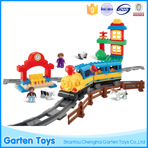 Good selling educational battery operated train plastic building blocks puzzle design
