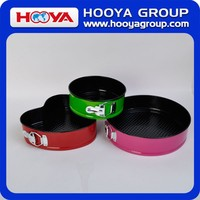 3pcs colored outside Round Heart Shaped Springform Carbon Steel Cake Pan