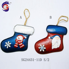 China manufacturer christmas decoration hanging santa on socks ornament
