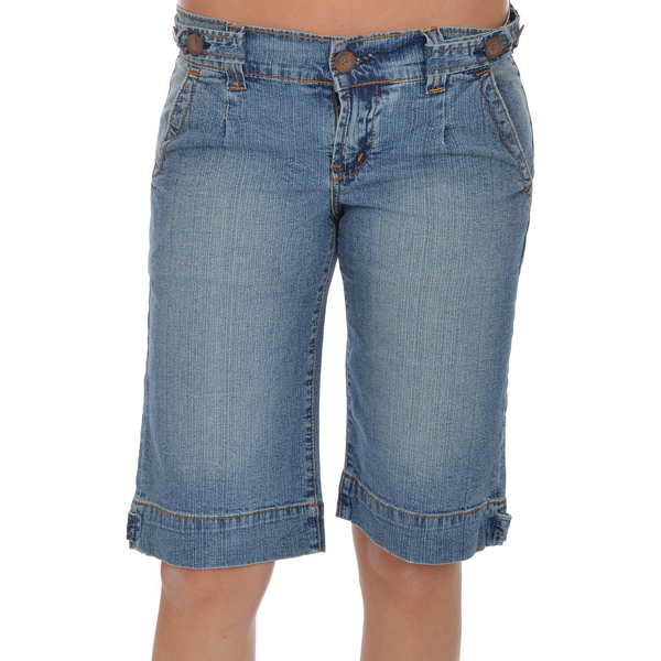 Women's Long and knee-length shorts Add an edge to your daily closet with knee-length shorts. Comfortable, versatile and effortlessly wearable, these sophisticated separates can be styled up or down for formal and casual occasions with ease.