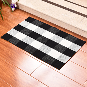 Popular picnic mat black and white plaid mat machine woven polyester mat