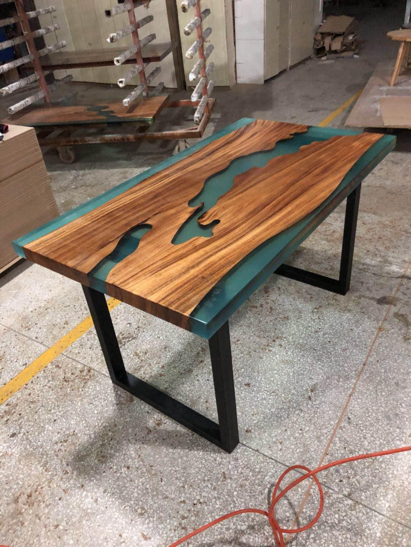 Tavolo Legno E Resina Prezzo art design in legno di noce fiume da tavolo in resina epossidica  trasparente tavolo da pranzo - buy art design in legno di noce fiume da  tavolo in