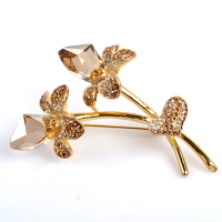 The most popular cheap flower rhinestone brooch for wedding invitation
