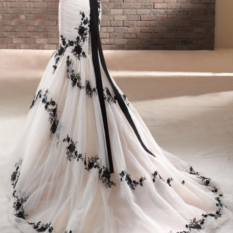 Plus Size Gothic Wedding Dress: Our Stunning BT14-14 From The 2014 Beautiful By Enzoani