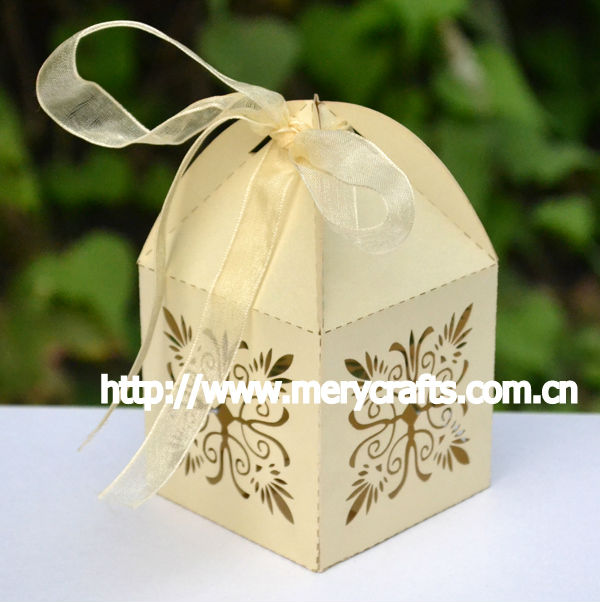 Custom Damask Candy Box With Free Ribbons And Pvc Box For Wedding
