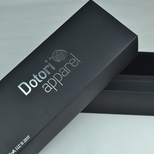 Black/ red/white/kraft color 350g paper box with silver plating logo
