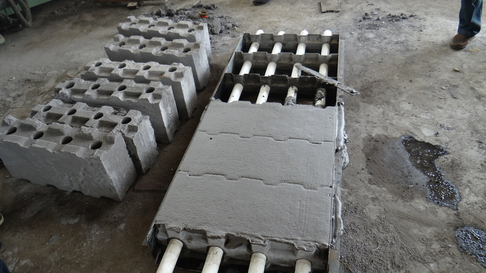 Manual moulds for foam concrete blocks manual moulds for for Foam forms for concrete