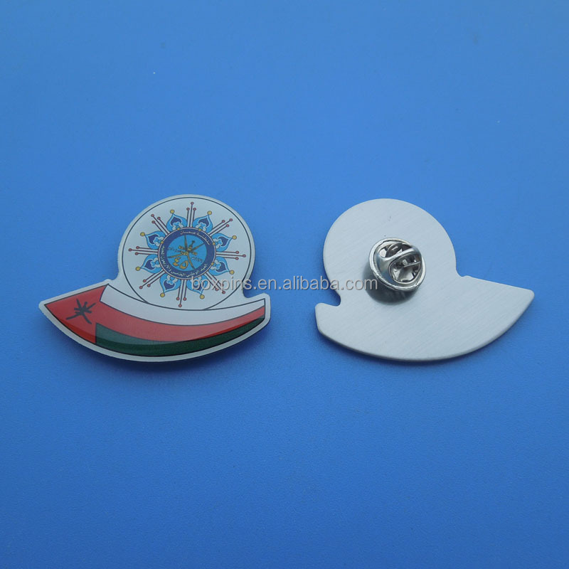 National day Oman gold plated magnetic lapel pins, Oman round stamped lapel pin badges with magnet