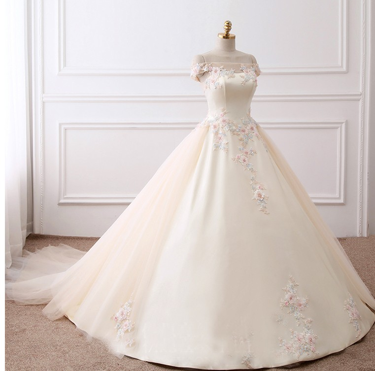 New Arrival Strapless Off-The-Shoulder Wedding Dess dramatic lace Court train wedding gown bridal dress TS81