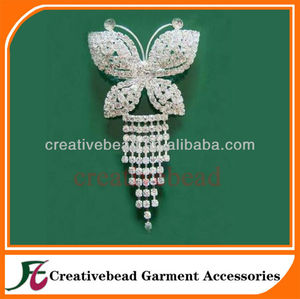 brooch with chains