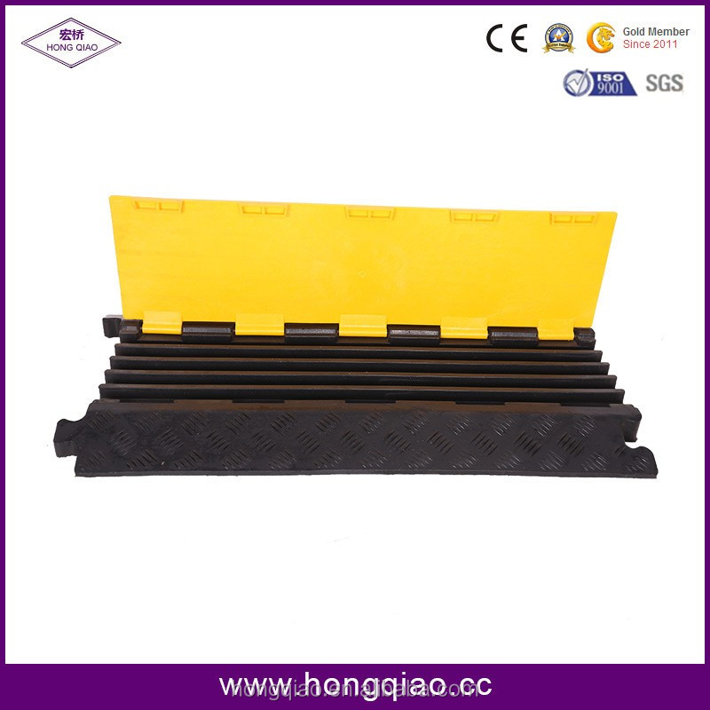 Manufacture China Dual Rubber & PVC Fixable Road 5 Cable Channel