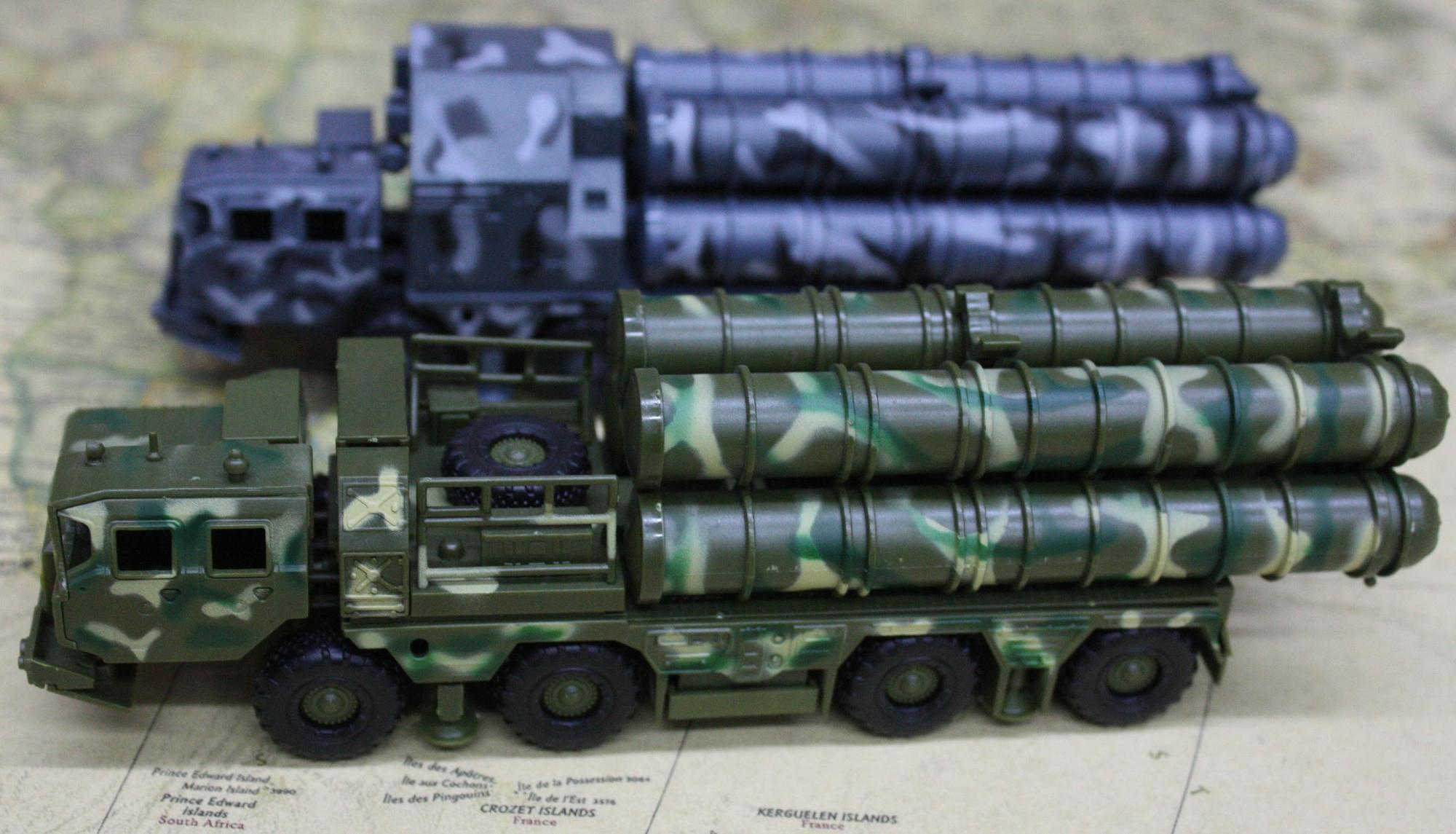 S300 Missile Model Vehicle Plastic Assemble Kit 1:72 Military Model construction kit