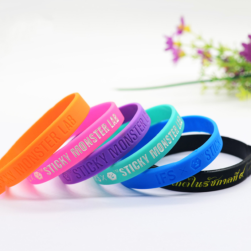 Wholesale bracelet new design colorful silicone bangle