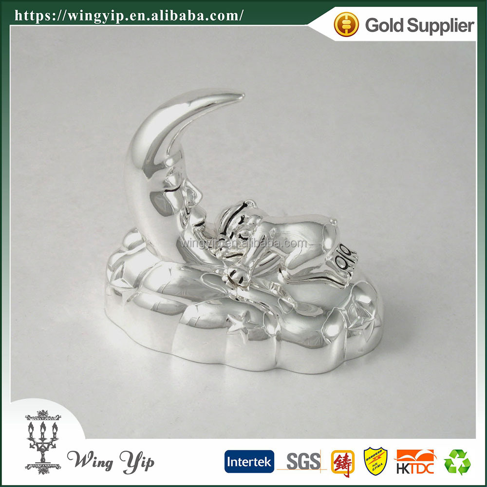 Wholesales Tailor made Moon Shape with Bear Silver Hand crank custom Music box for Ornament