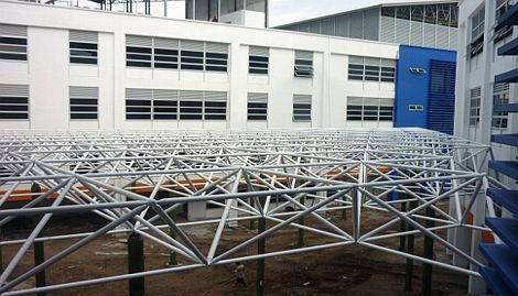 Prefabricated steel space frame roofing with metal structure