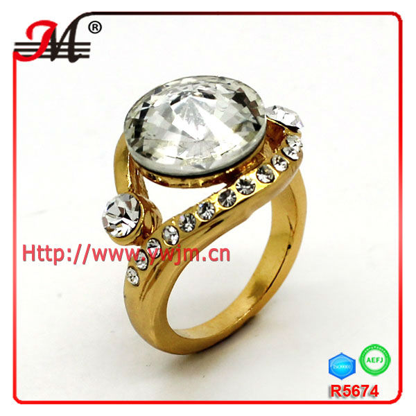 R5674C Fashion oro can glass ring