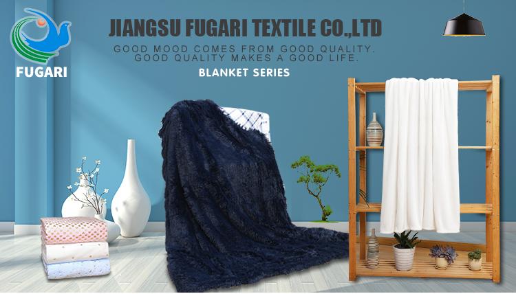 Fugari Fuzzy น้ำหนักเบาหรูหรา Cozy Warm Fluffy Plush ผ้าห่มสำหรับฤดูหนาว