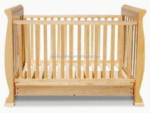 wooden baby crib//baby cribs/baby bed