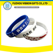 2017 promotional gift custom cheap thin engraved rubber printed debossed mens sport silicone wristband