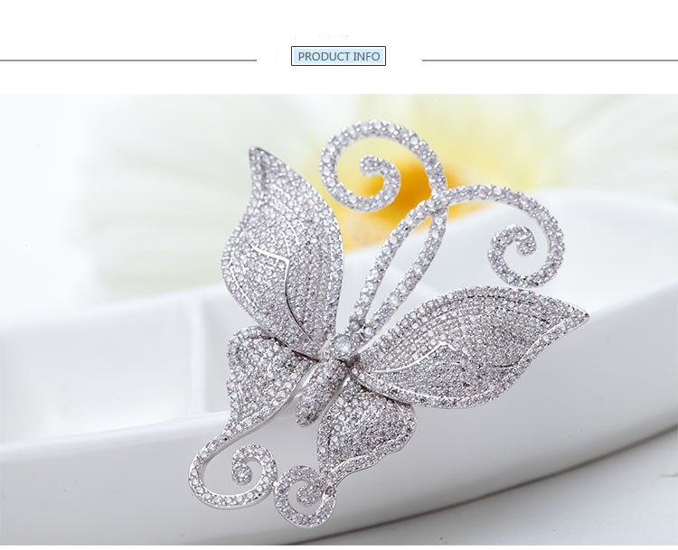 LUOTEEMI Wholesale New Arrivals Fancy Fashion Pure Sparkling Clear CZ Micro Pave Luxury Dancing Butterfly Brooch